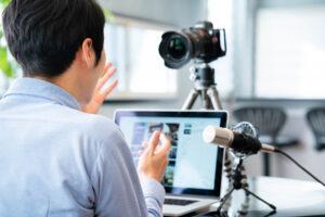 ライブ配信でリアルタイムな情報を!ほかの動画配信とは何が違うの?1